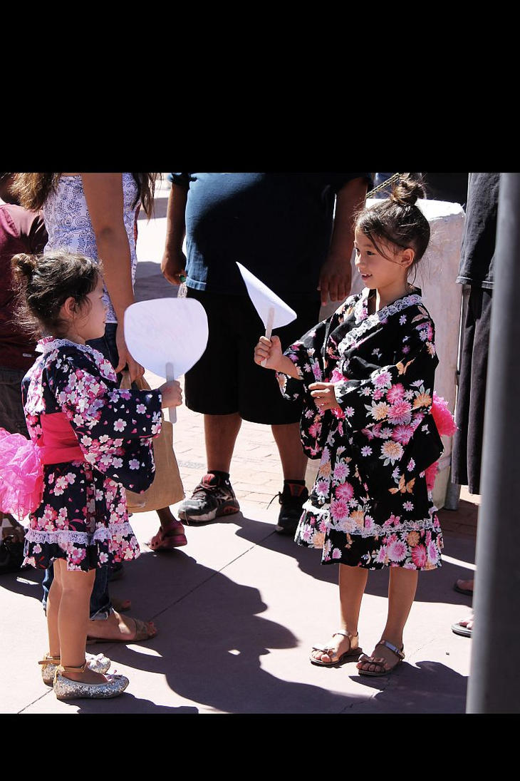 Cute Kimono Girls by Moniku
