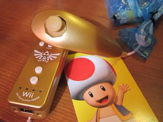 Zelda Wiimote and Nunchuck Set by Sarinilli