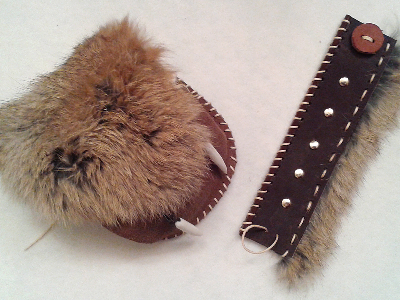 Fur-Leather pouch and cuff by Sarinilli
