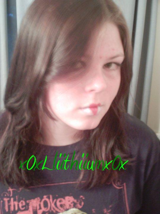 x0xLliithiiumx0x's Profile Picture