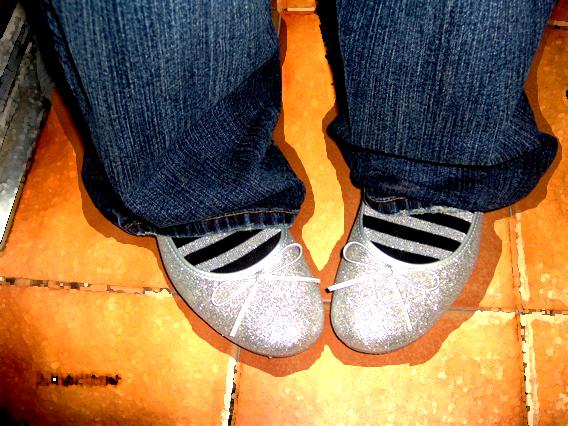 Con los pies en el suelo by ex-princesita