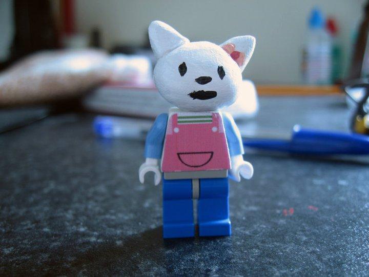 Custom lego hello kitty by digger318 on deviantart - Lego hello kitty maison ...