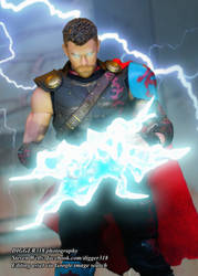 Mezco One12 Thor Ragnarok Toy Review 4K by Digger318