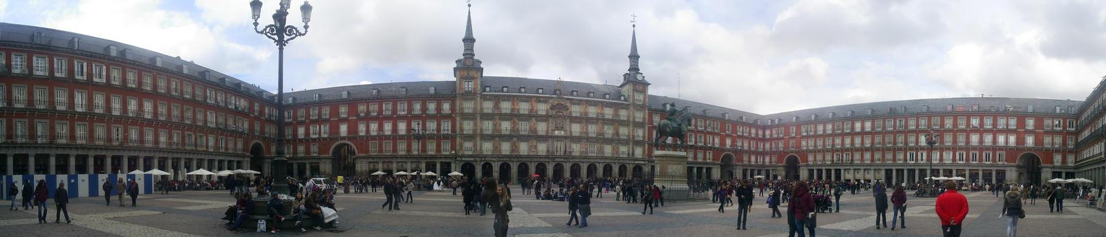 Plaza Mayor de Madrid by Cannabeanoide