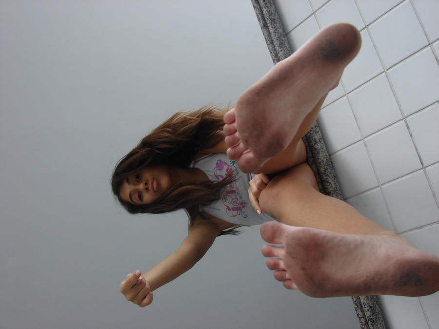 Escorts with smelly feet