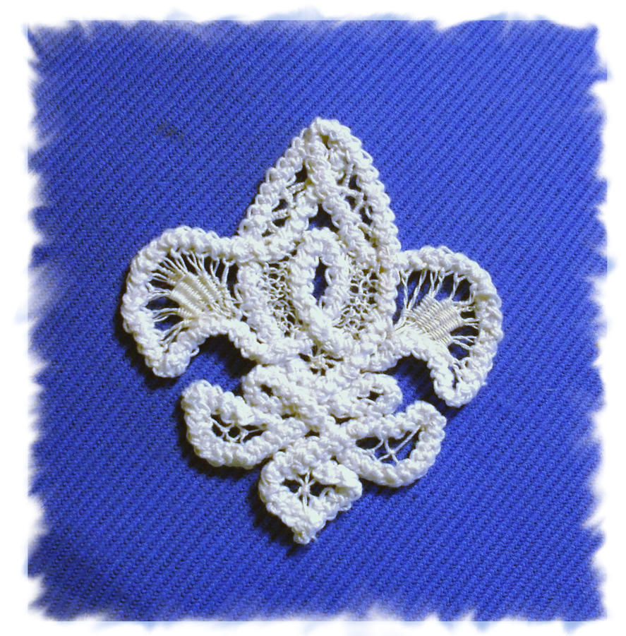 Romanian point lace - fleur de lis