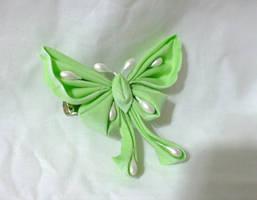 Luna moth kanzashi
