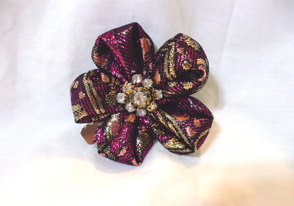 Metallic Brocade Kanzashi Flower By Eruwaedhielelleth On