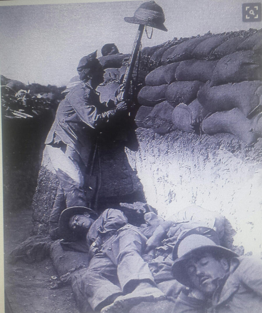 WW1- Italian soldiers in a trench by jolly75chloroform