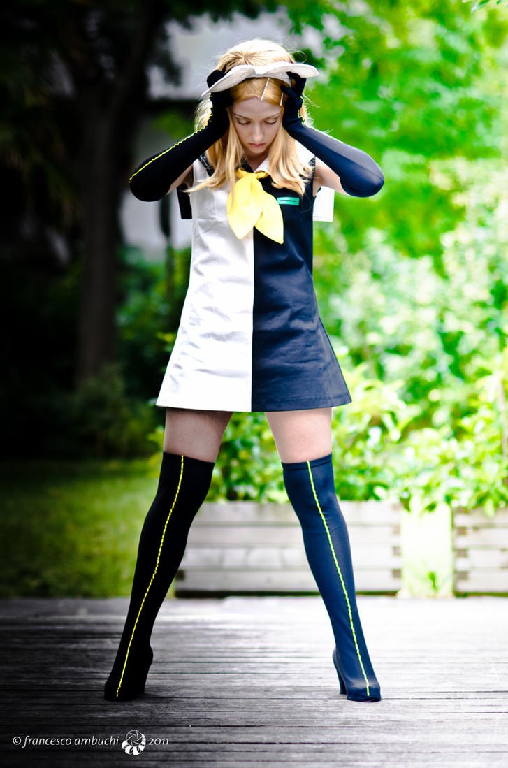 Meltdown: Rin Kagamine 3 by Adurnah