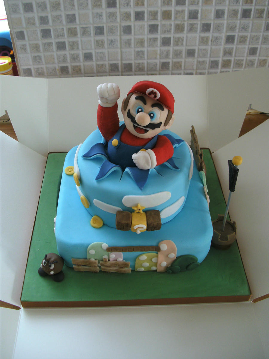 Super Mario Cake by gertygetsgangster
