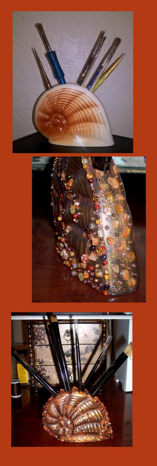 Seashell Paintbrush Holder by Vivienne-Mercier