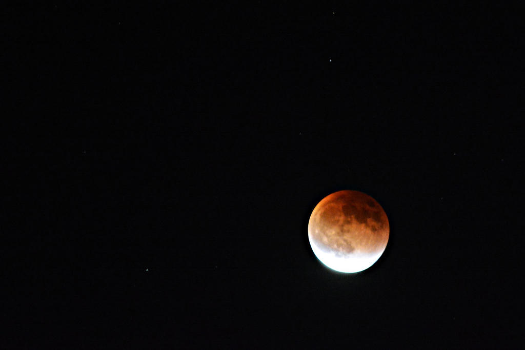 Super Blood Moon Eclipse by Kyowell