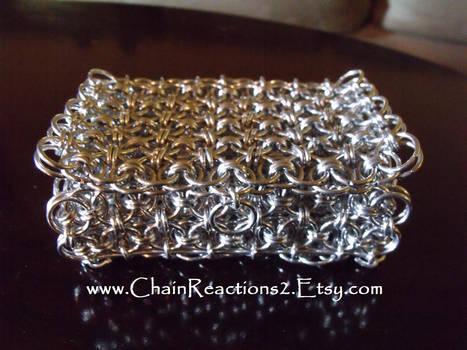 Captive link Jewelry Box