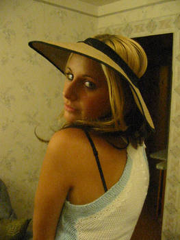 Alina Hat 2
