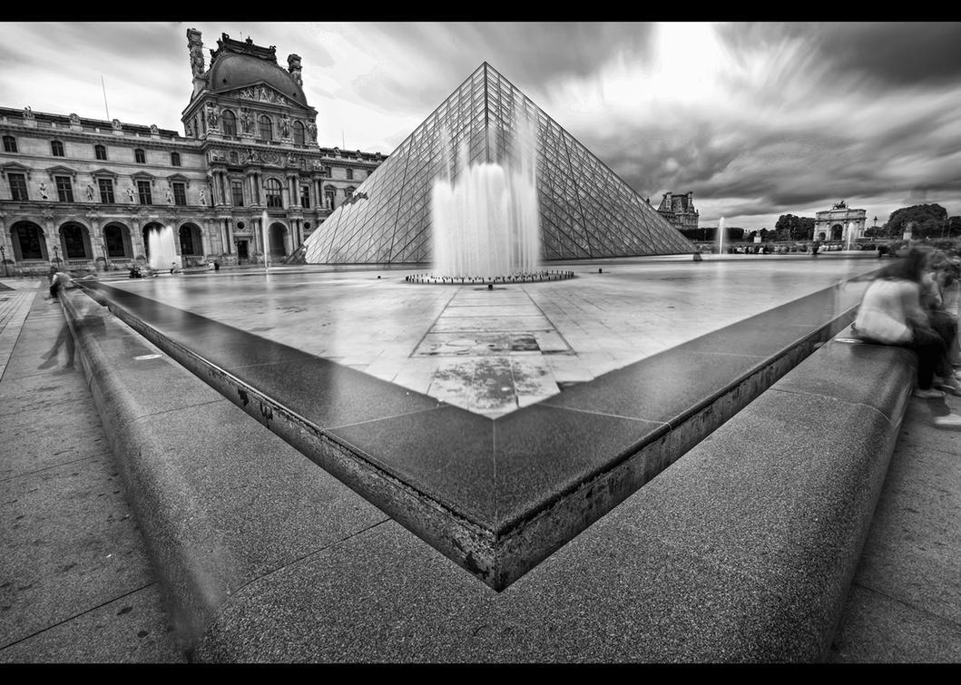 *Musee du Louvre* by erhansasmaz