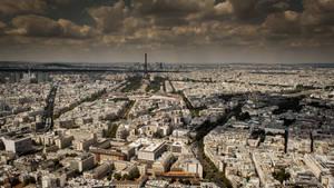 paris skyline by InV4d3r