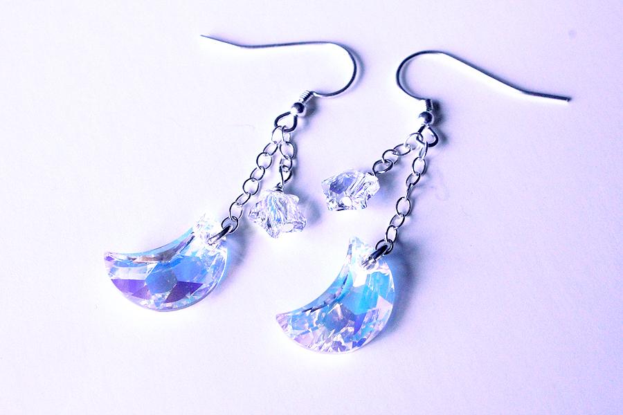 Moon Princess Earrings by Xelhestiel