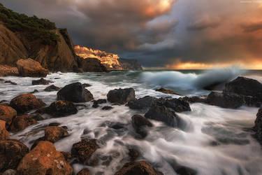 Breaking Waves by Trashins