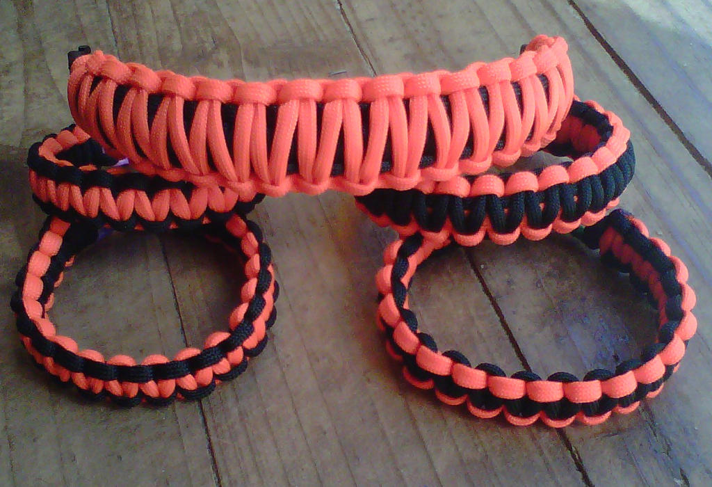 Paracord bracelets by crochetamommy on deviantart for Paracord wallpaper