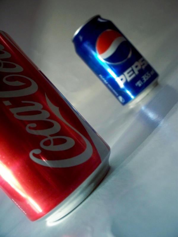 Coke VS Pepsi by rogueXunited