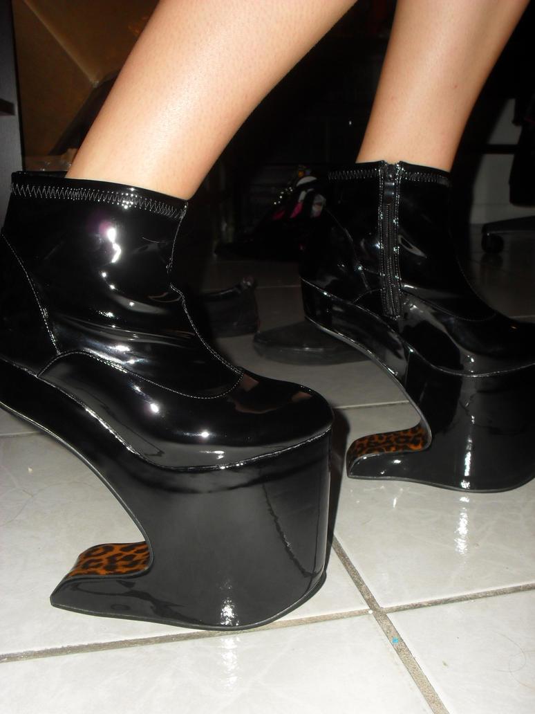 Lady Gaga Heelless Shoes