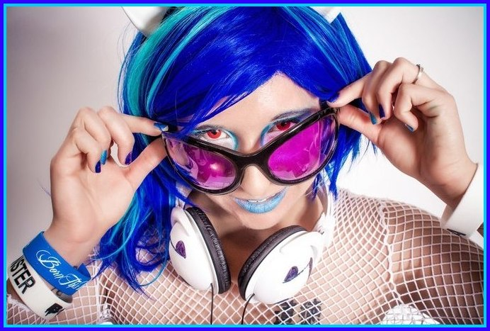 DJ Pon-3 Is In Da House by SequinSuperNOVA