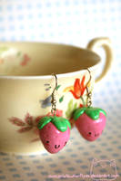 Strawberry Earrings by xXScarletButterflyXx