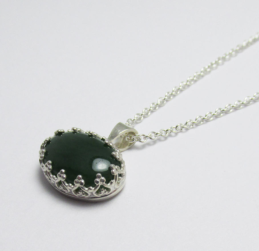 Nephrite Jade Sterling Silver Filigree pendant by Utinni