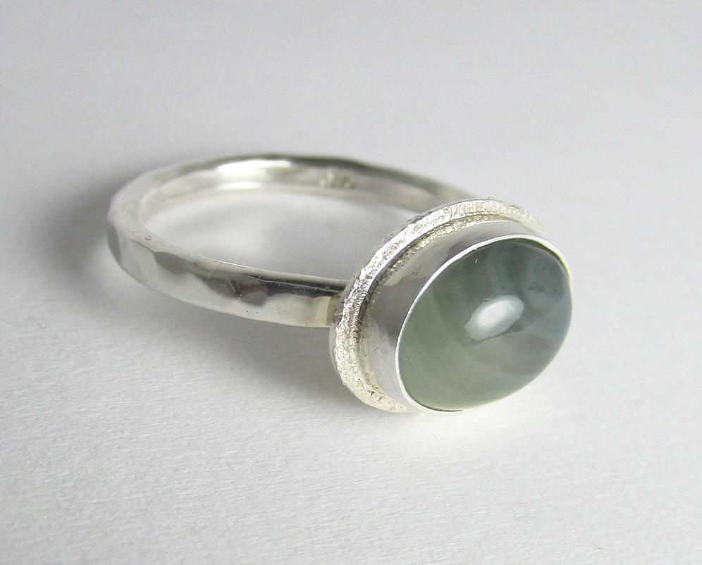 Green chalcedony bezel set ring by Utinni