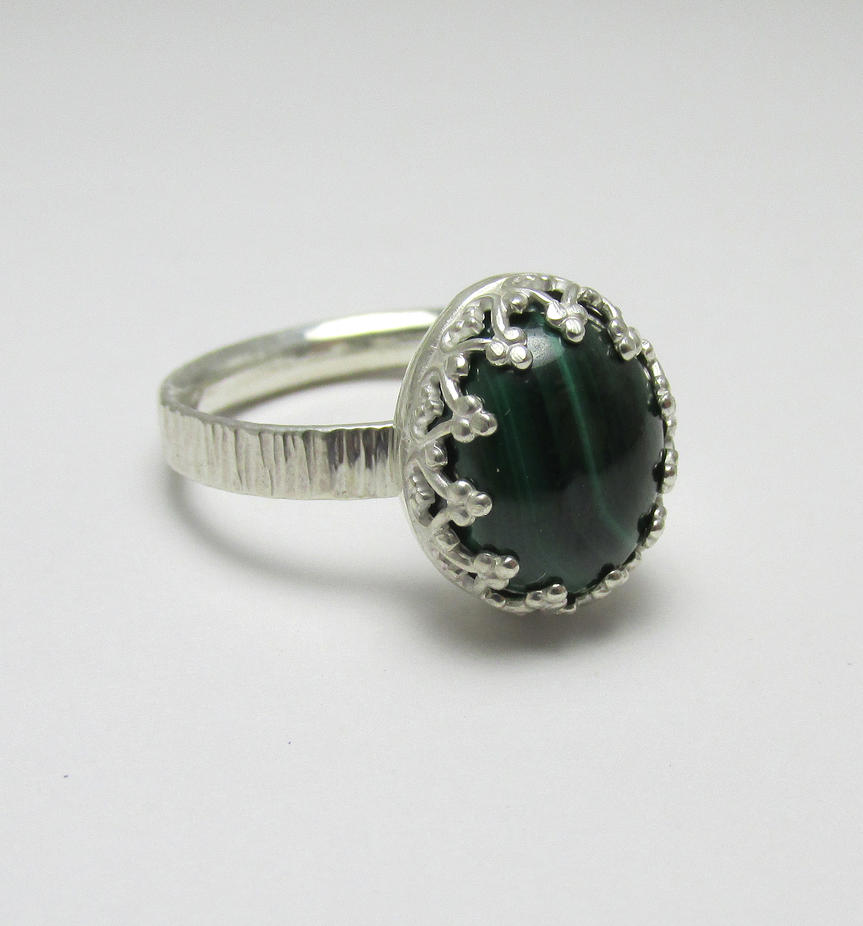 Malachite filigree ring by Utinni