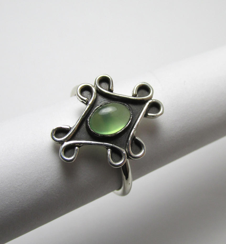 Serpentine sterling ring by Utinni