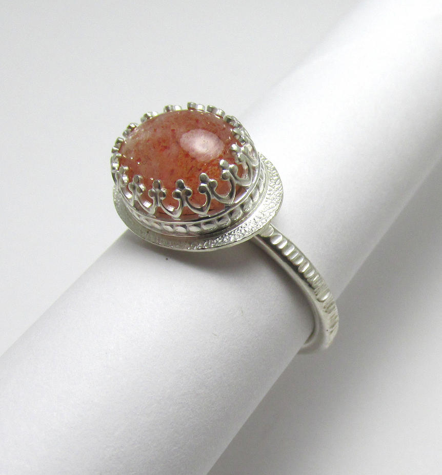 Sunstone filigree ring by Utinni