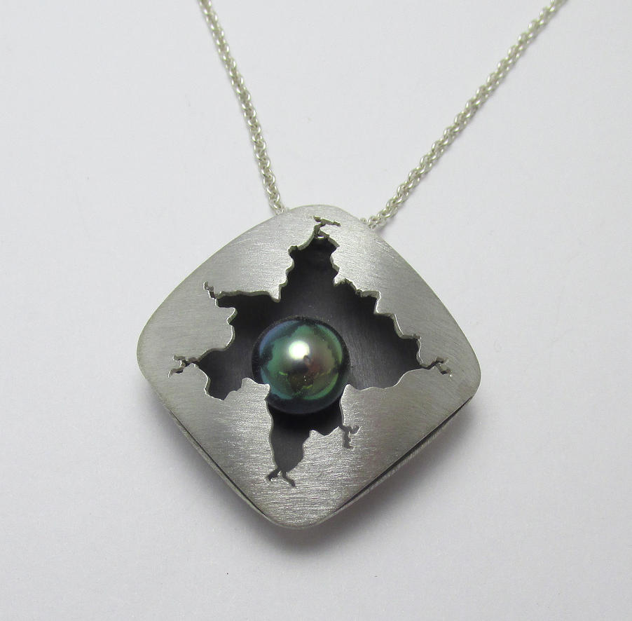 Tahitian Black Pearl Cracked Square Pendant by Utinni