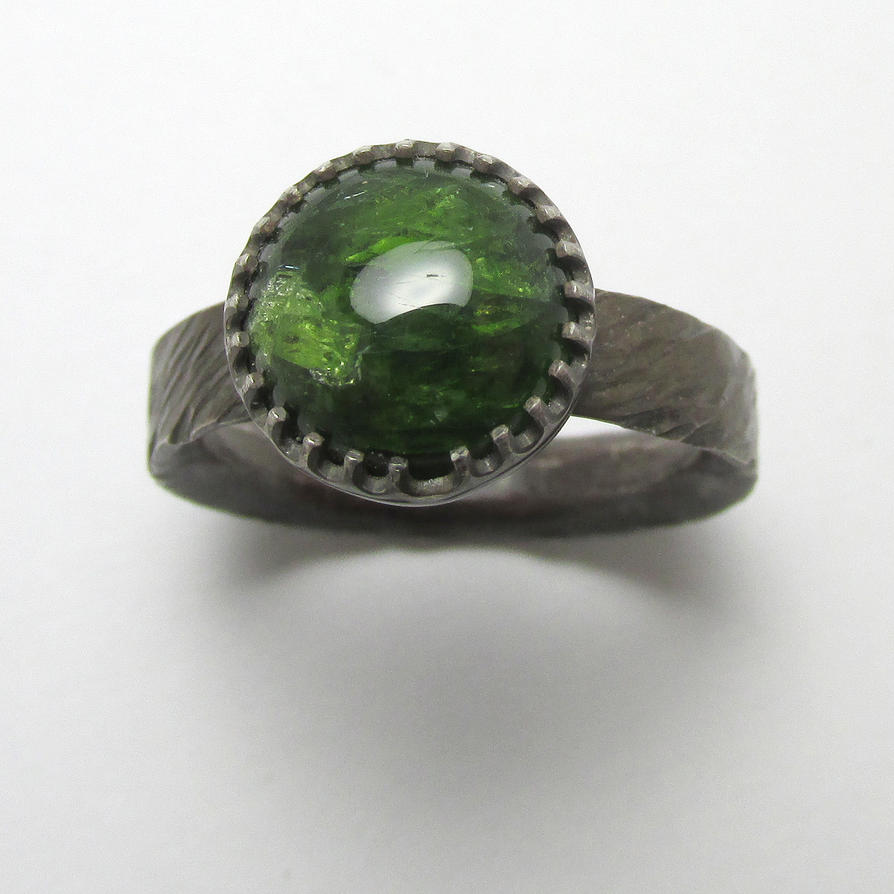 Chrome Diopside ring by Utinni