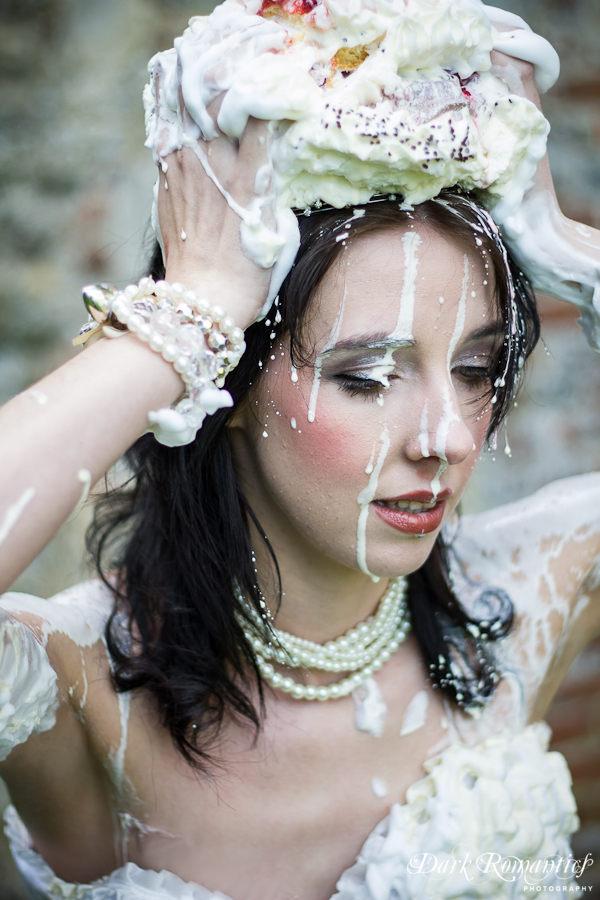 Wedding Cake by darkromantics