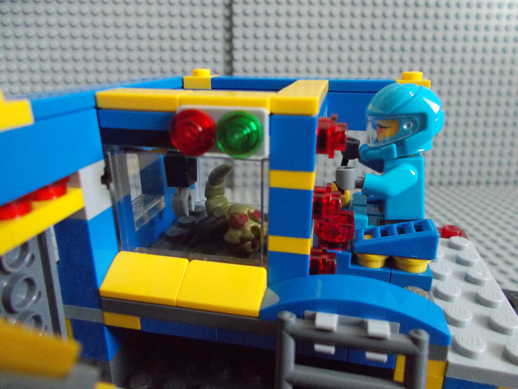 Med Station ''Analysis Chamber'' by DanteZX