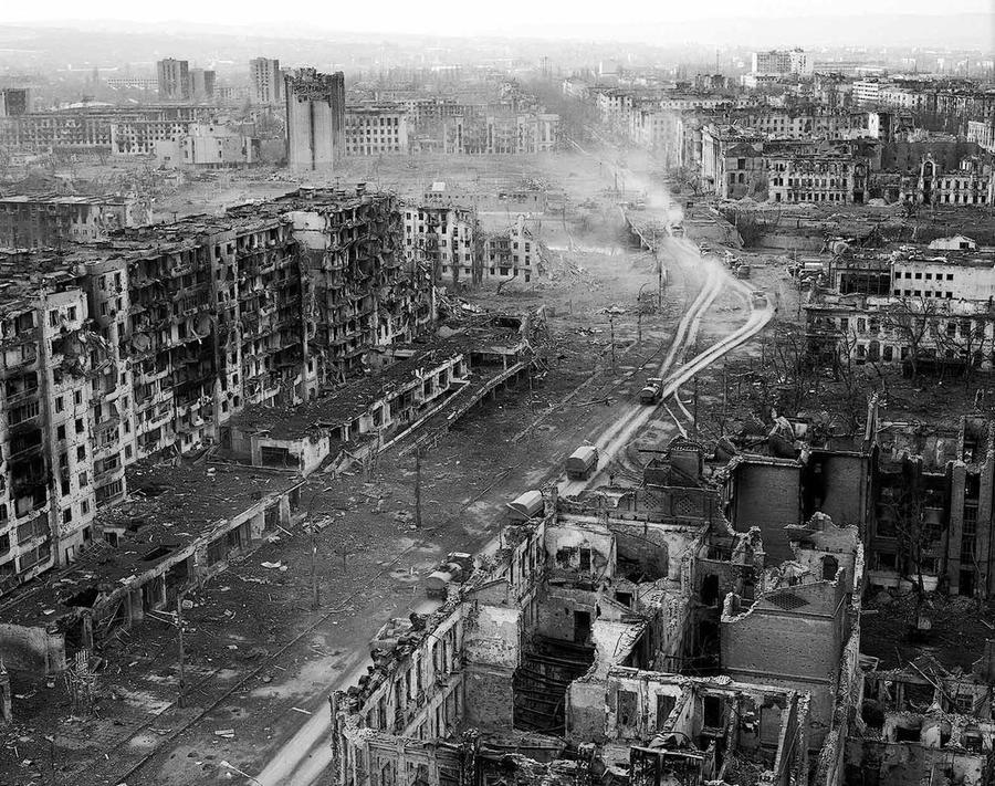 Террористы в Славянске заняли дом культуры железнодорожников и надели белые повязки - Цензор.НЕТ 1592