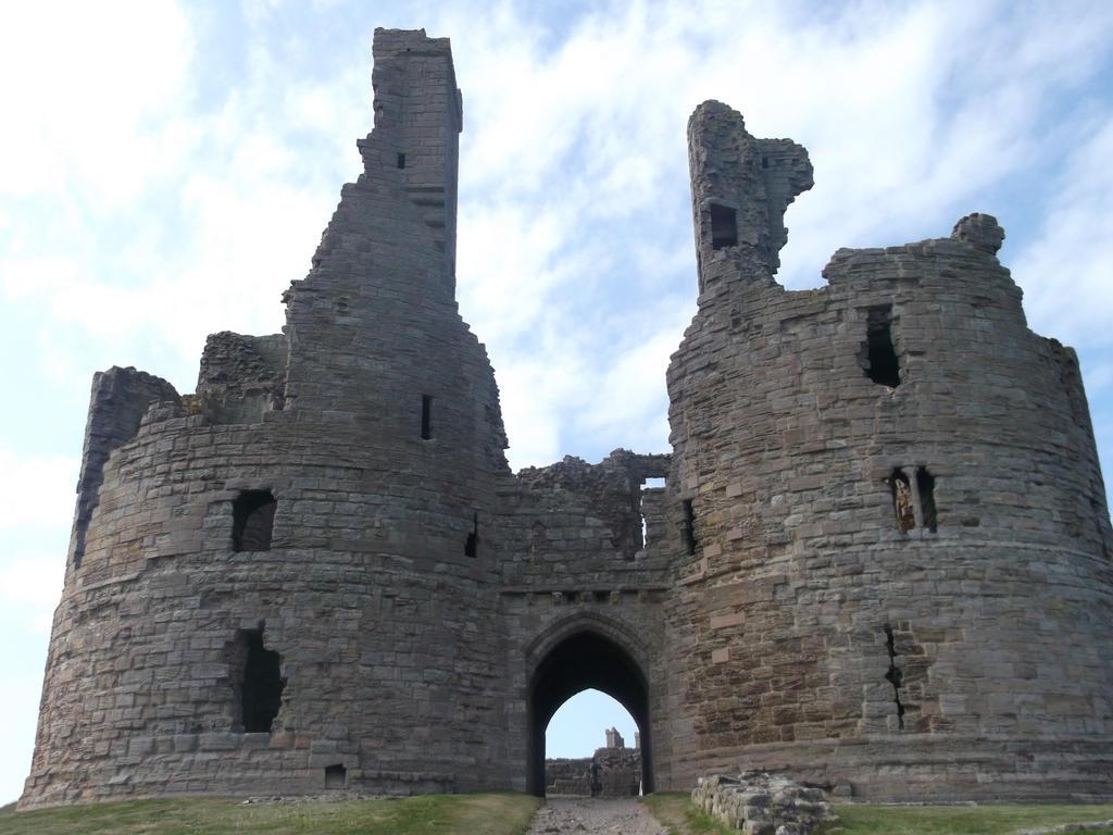 Dunstanburgh Castle 9 by kk20152d