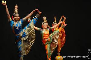 Indian folk dance by de-zwaluw