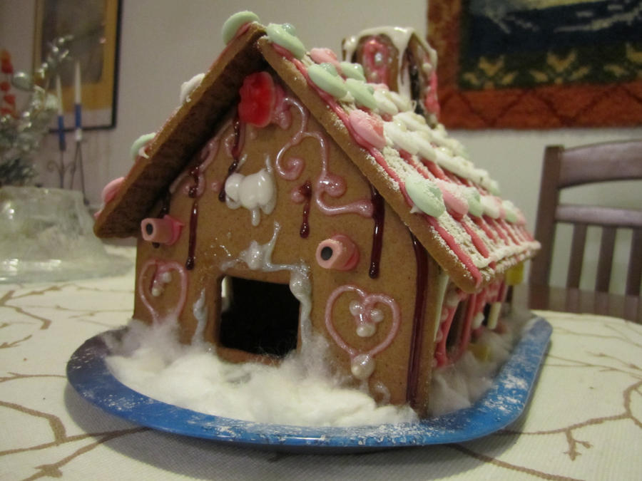 Gingerbread House by Ronja-poni