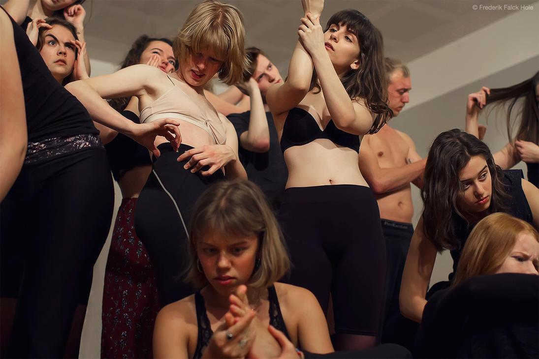Dansedroemme poster shot by Dullface
