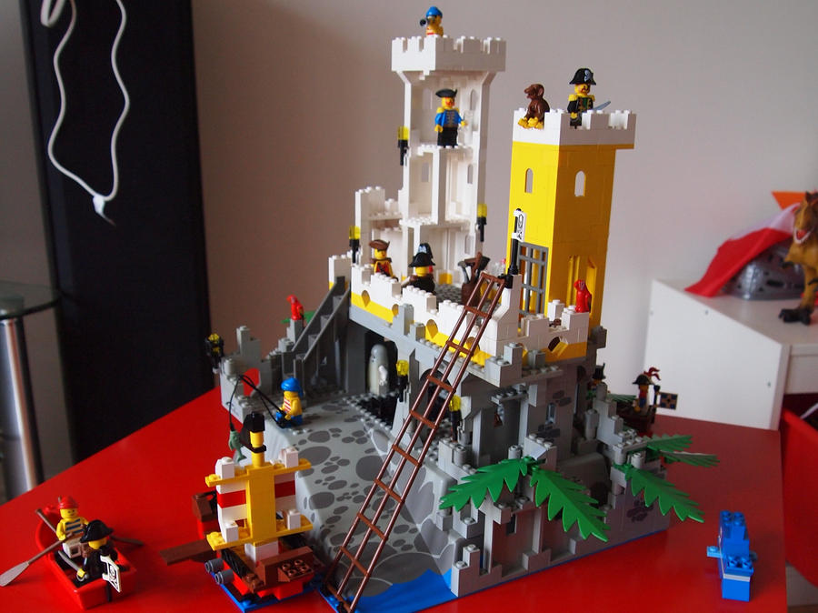 lego pirate island 3 by bevismusson - Lego Pirate