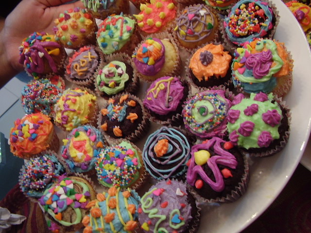 cupcakes 2. by ilani