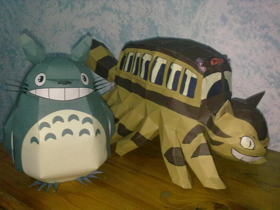 Totoro y gatobus papercraft by danisricu