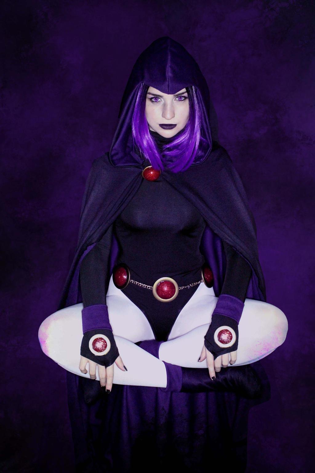 Raven Cosplay By Abyssartsandcrafts On Deviantart I like it,.but raven done got thick. raven cosplay by abyssartsandcrafts on