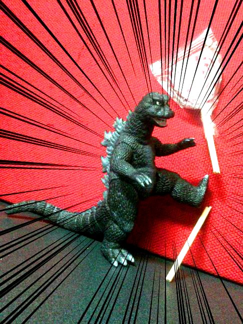 Godzilla Smash !!! by Giosuke