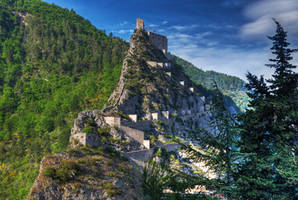 Entrevaux citadel by roman-gp
