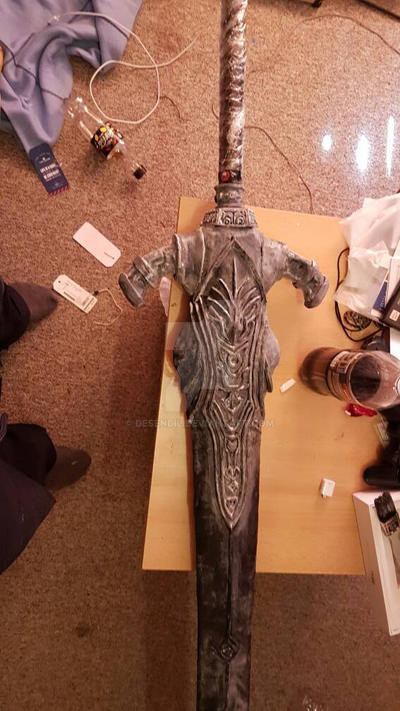 Artorias Greatsword - WIP - wood glue coat by Desendil
