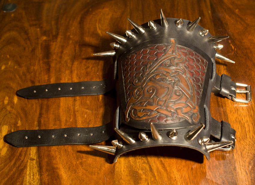 "Bracer ""Garm"" by Wodenswolf"